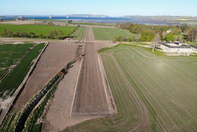 Bobby Ross Ltd - Newhall Mains Runway 3