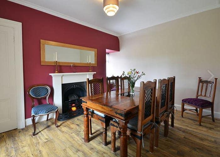 Redhill-Farmhouse-Dining-Room